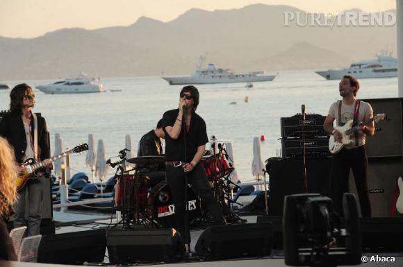 Le rock s'invite sur la plage du Martinez avec The Strokes.