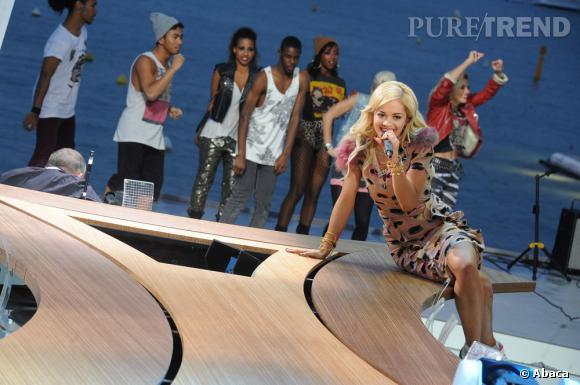 Rita Ora a beau être une new face de la musique en 2012, elle se sent parfaitement à l'aise sur le plateau de l'émission de Michel Denisot