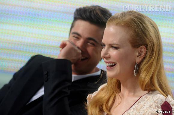 """Zac Efron se laisse déconcentrer par sa partenaire de """"Paper Boy"""", Nicole Kidman en 2012."""