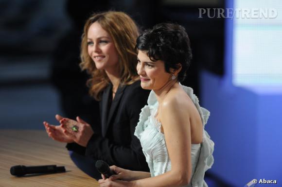 Vanessa Paradis et Audrey Tautou donne le coup d'envoi du Grand Journal de Cannes le 15 mai 2013.