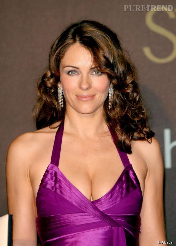 Les plus beaux décolletés de Cannes : Elizabeth Hurley, tendance pin up.