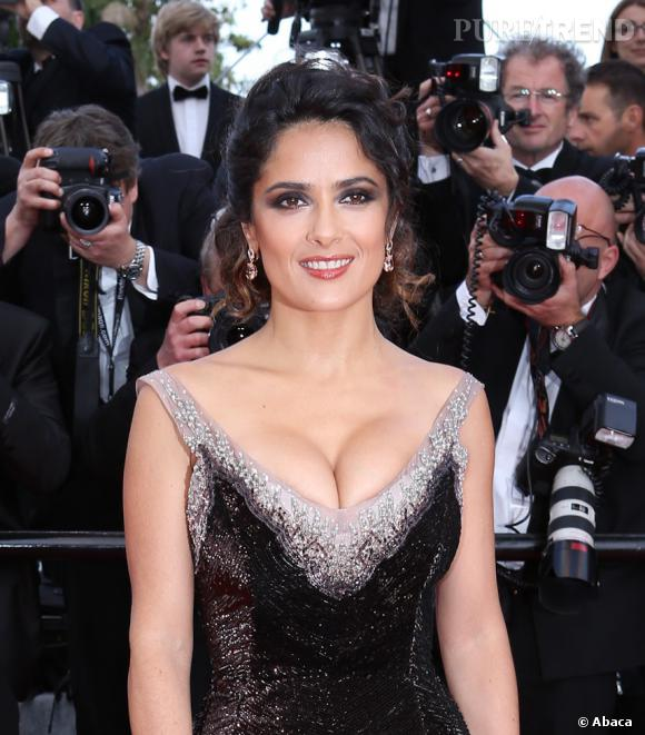 Les plus beaux décolletés de Cannes : Salma Hayek, la championne toutes catégories.