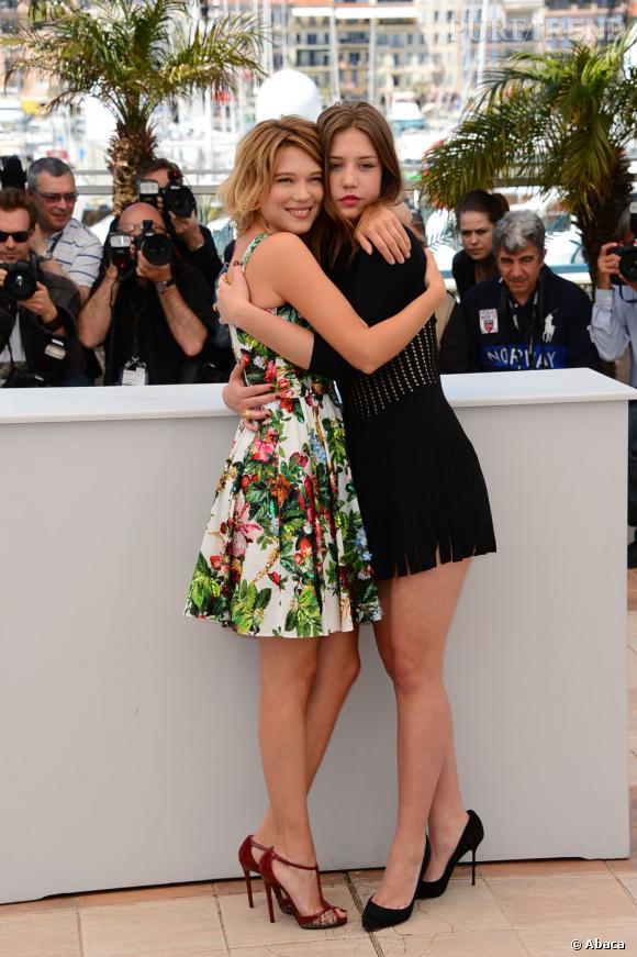 """Léa Seydoux et Adèle Exarchopoulos pour """"La vie d'Adèle"""" à Cannes 2013. Deux styles différents mais très mode pour les jeunes françaises."""