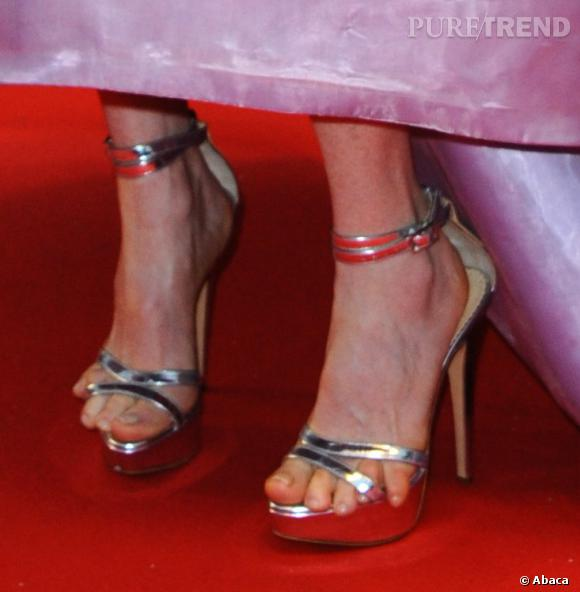 L'objet du crime : les petits doigts de pieds de Julianne Moore ont décidé de prendre la poudre d'escampette.