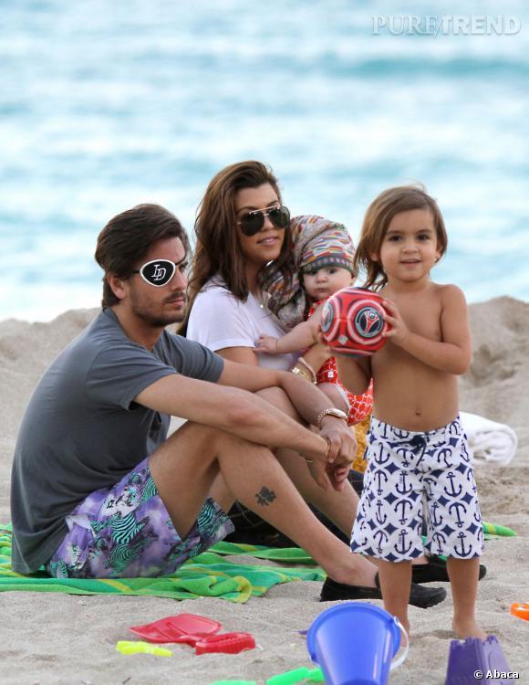 Toute la petite famille Kardashian - Disick à la plage !