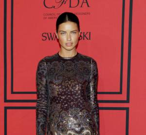 Adriana Lima vs Joan Smalls : la robe brodee et transparente Givenchy