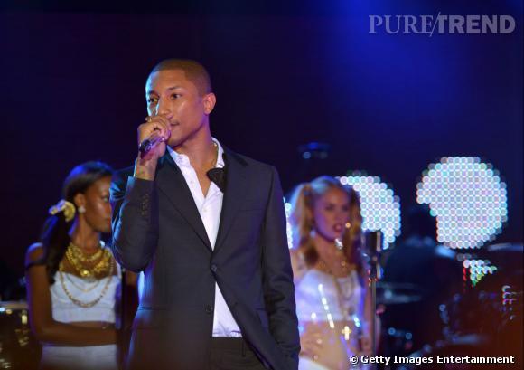 Pharrell Williams assure le show lors du lancement de la nouvelle version de Myspace à Los Angeles.