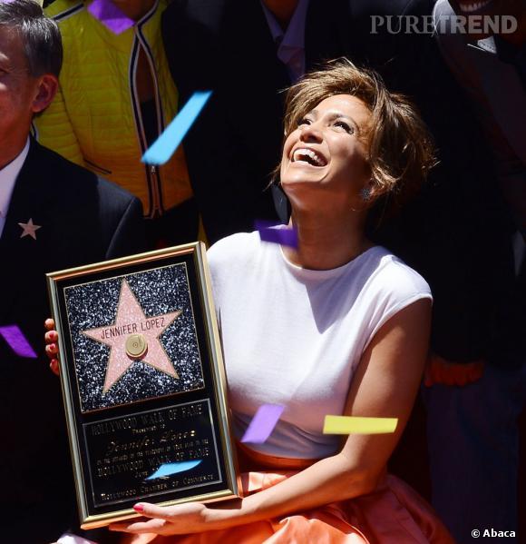 Jennifer Lopez a reçu jeudi son étoile sur le Hollywood Walk of Fame. Un honneur très émouvant pour la star.