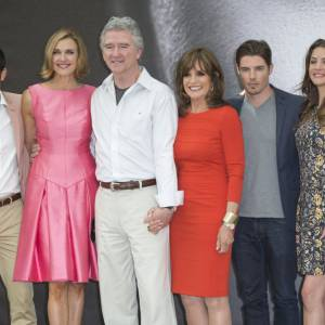 Jesse Metcalfe, Brenda Strong, Patrick Duffy, Linda Gray, Josh Henderson, Julie Gonzalo posent à Monte Carlo.