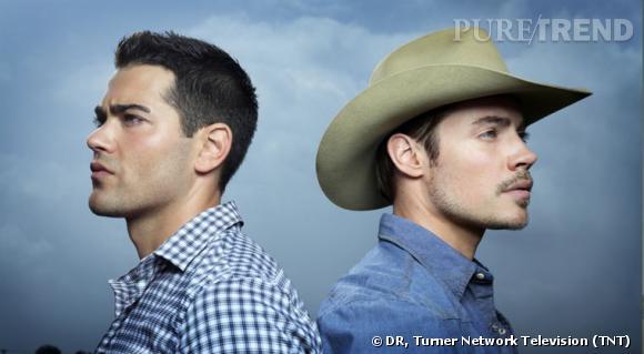 Christopher à gauche (Jesse Matcalfe) et John Ross III (Josh Henderson), nouveaux cousins ennemis.