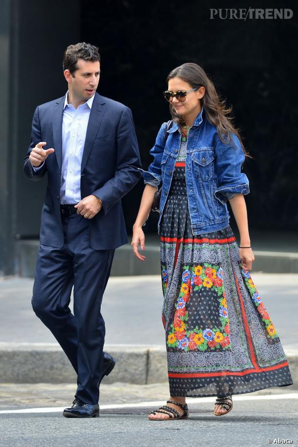 Katie Holmes à New York : on aime l'ensemble... mais pas vraiment la robe.