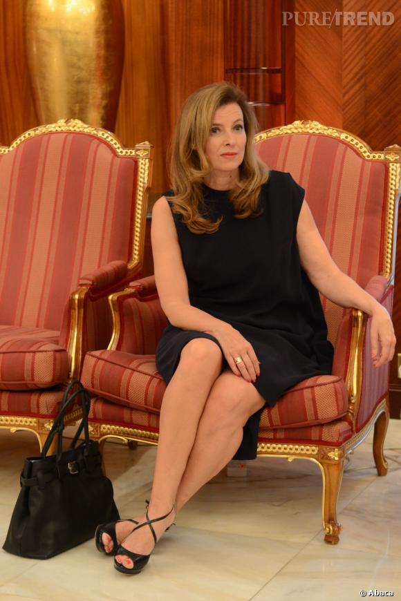 """Valérie Trierweiler s'est confiée sur son couple avec François Hollande et sur sa place de première dame chez """"C à Vous"""", le 27 juin 2013."""