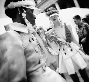 Dans les coulisses de la Haute Couture en noir et blanc