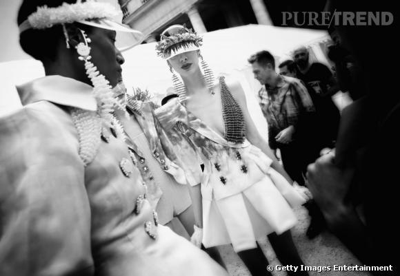 Dans les coulisses du défiléOn Aura Tout Vu Haute Couture Automne/Hiver 2013/2014.
