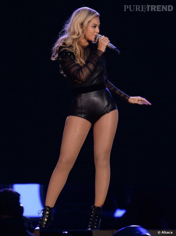 Professionnelle, Beyoncé gère l'imprévu comme personne. Lorsqu'elle est sur scène, le monde peut s'écrouler, elle continue à chanter.