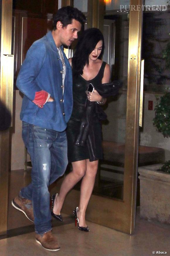 Katy Perry et John Mayer n'ont pas officiellement annoncé s'êtres remis ensemble mais on les voit régulièrement lors de dîners en amoureux.
