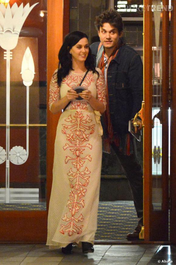 Katy Perry et John Mayer lors d'un dîner au restaurant en février 2013.