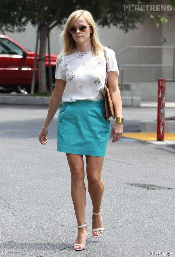 Reese Witherspoon, une maman sexy et colorée.