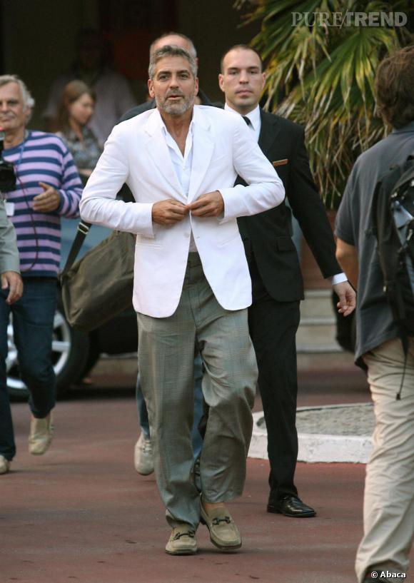 George Clooney finance un satellite pour surveiller le président du Soudan.
