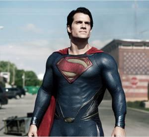Ben Affleck se retrouvera donc face à Henry Cavill, qui enfilera de nouveau son costume de Superman.