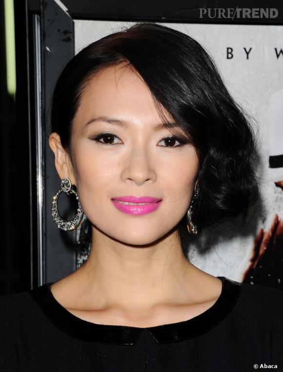 L'actrice Zhang Ziyi ose la bouche rose fluo. Une bonne pioche !