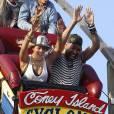 Beyoncé et ses amis font un tour de montagne russe à Coney Island. Mais attention, c'est pour le travail !