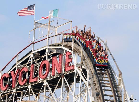 Beyoncé ne pouvait évidemment pas rater la plus grande attraction du parc : Cyclone !