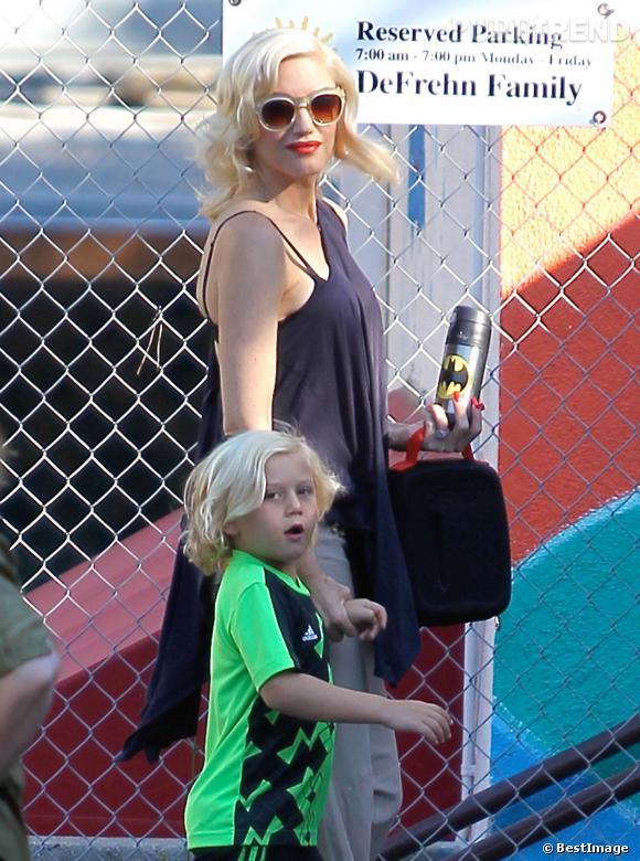 Gwen Stefani, une future maman très à la mode dans les rues de Los Angeles.
