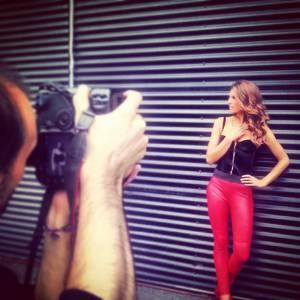 """Laury Thilleman en plein shooting photo pour """"Danse avec les stars""""."""