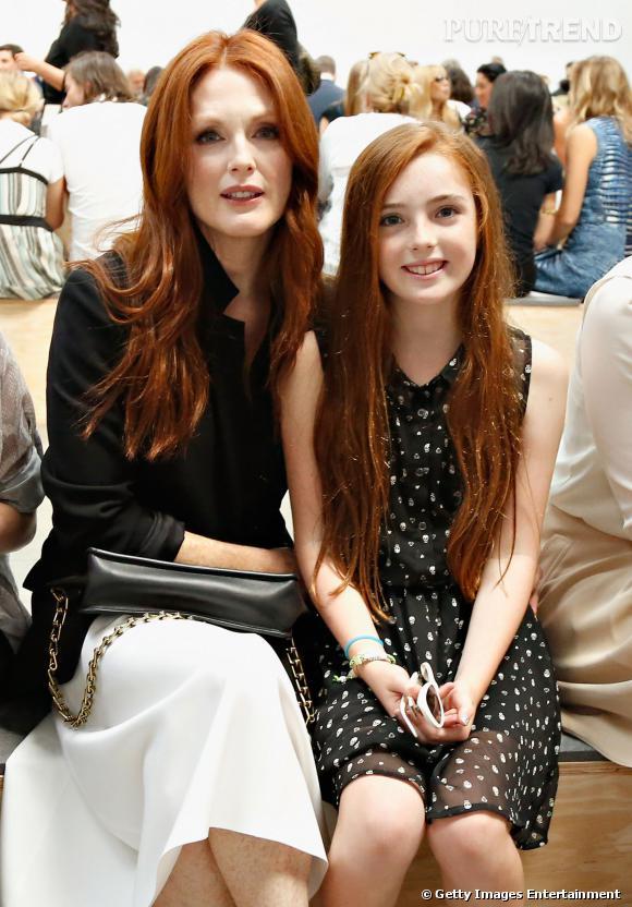 Julianne Moore et sa fille Liv Helen au défilé Reed Krakoff Printemps-Été 2014.