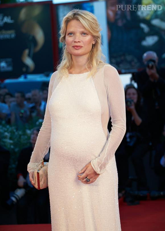 Mélanie Thierry, radieuse, attend son second enfant.