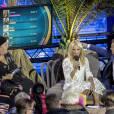 Pamela Anderson entourée des présentateurs allemands.