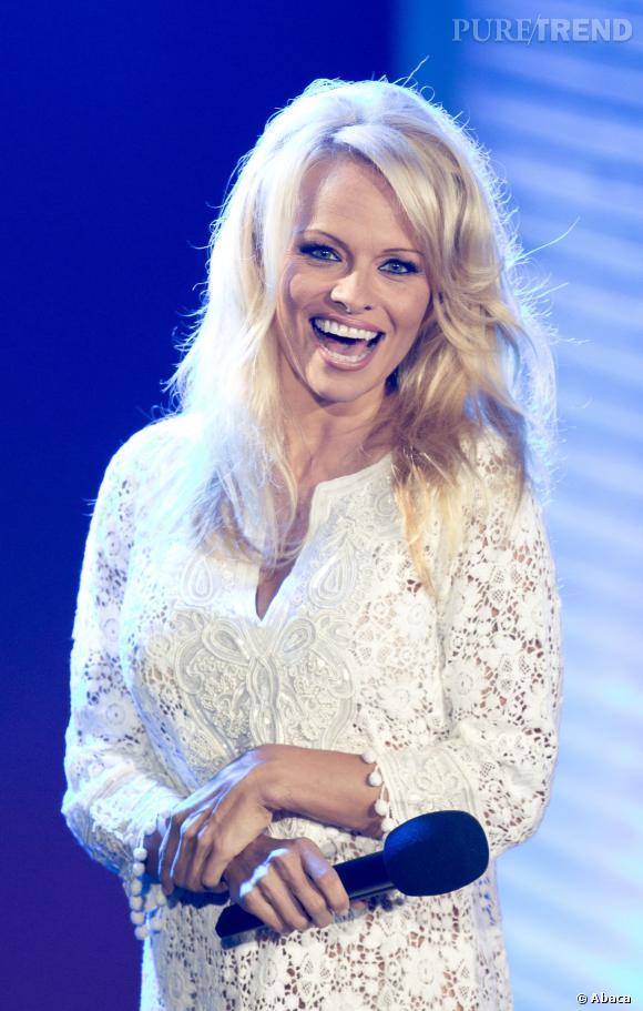 """Pamela Anderson sur le plateau de """"Promi Big Bother"""" à Berlin."""