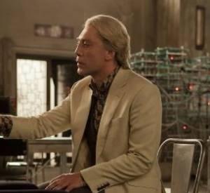 Javier Bardem, très flippant en méchant blond dans Skyfall.