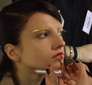 Sourcils or et bouche carmin : dans les backstages Jean-Charles de Castelbajac