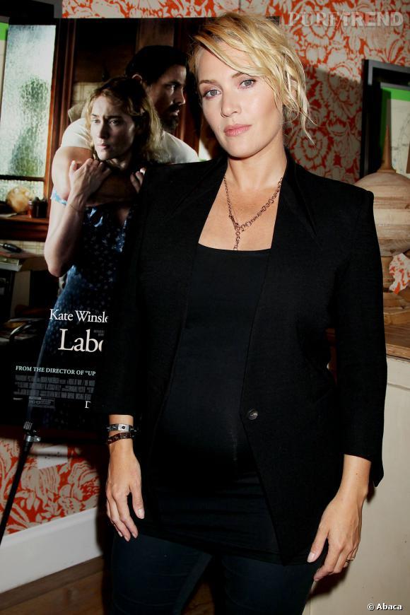 Kate Winslet, une future maman pas complexée par sa silhouette.
