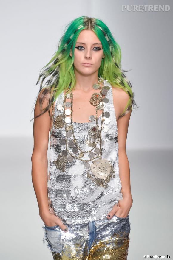 Les cheveux verts et zébrés - Défilé Ashis printemps-été 2014
