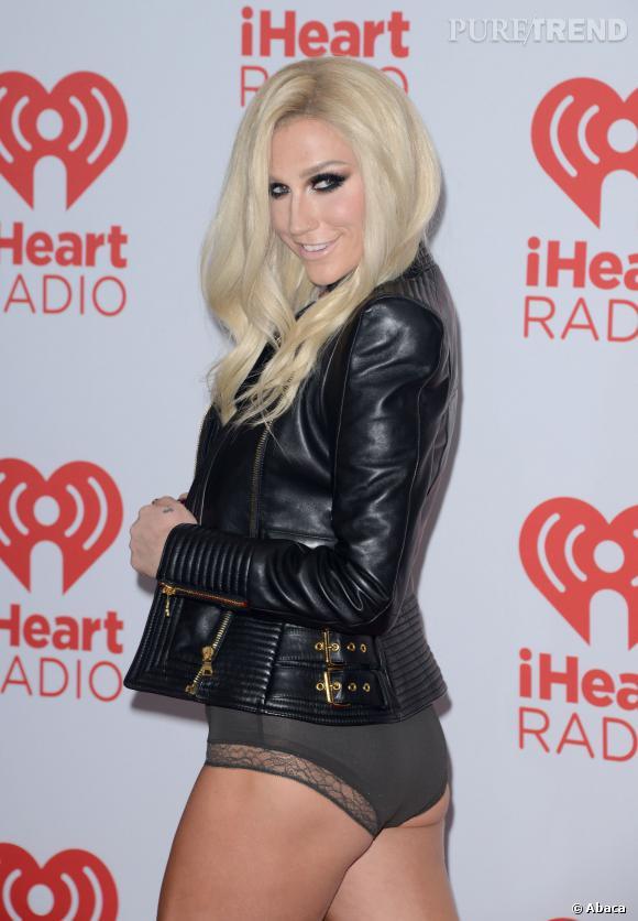 Kesha  aurait-elle peur d'être oubliée au profit de Miley Cyrus ? La star a redoublé d'effort, montrant elle aussi ses fesses sur Instagram.