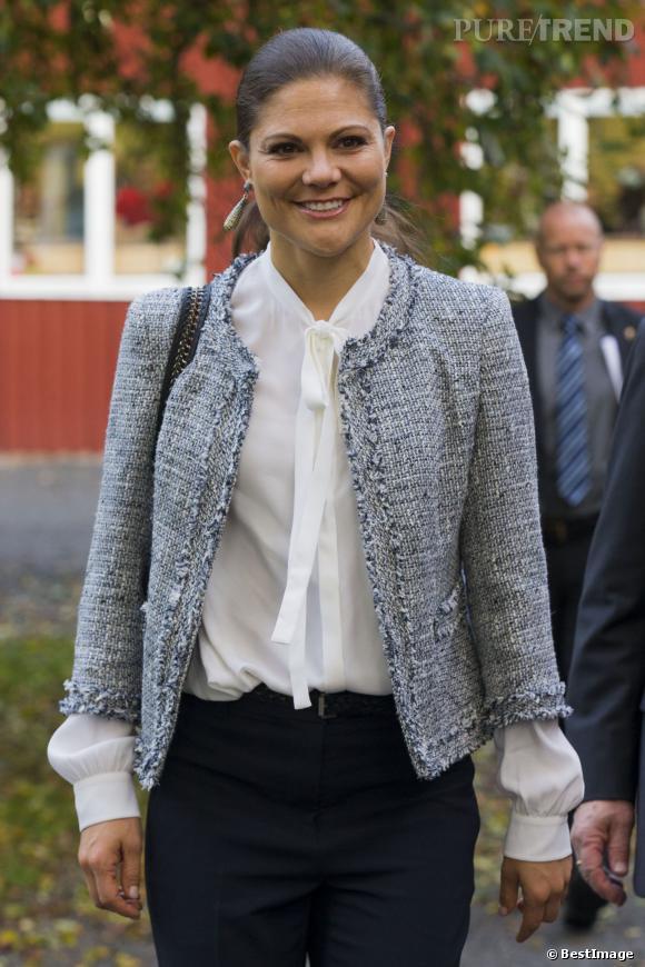 Victoria de Suède en déplacement officiel dans un complexe Bio-Agricole à Uppsala le 11 octobre 2013.