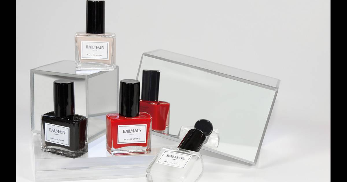 balmain lance un coffret de vernis de luxe nail couture. Black Bedroom Furniture Sets. Home Design Ideas