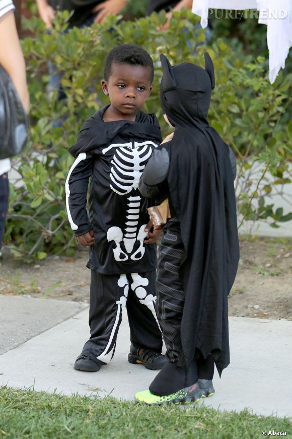 Le petit Louis a même rencontré un Batman miniature !