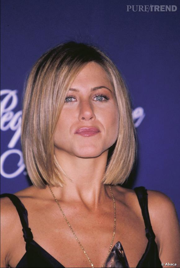 Jennifer Aniston a coupé ses cheveux à cause d'un lissage raté.