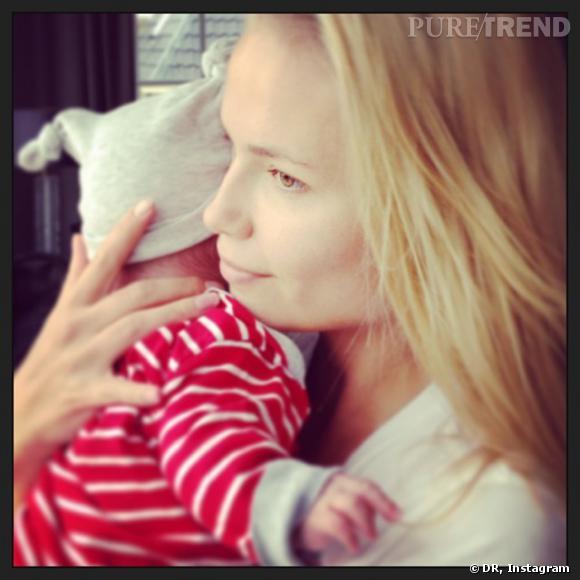 Natasha Poly dévoile son enfant sur Instagram.