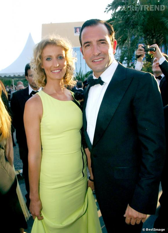 Jean Dujardin et Alexandra Lamy rayonnante au Festival de Cannes en 2005.