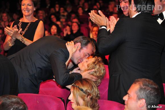 Jean Dujardin, visiblement ému lors de l'annonce de son prix du meilleur acteur, au Festival de Cannes 2011.