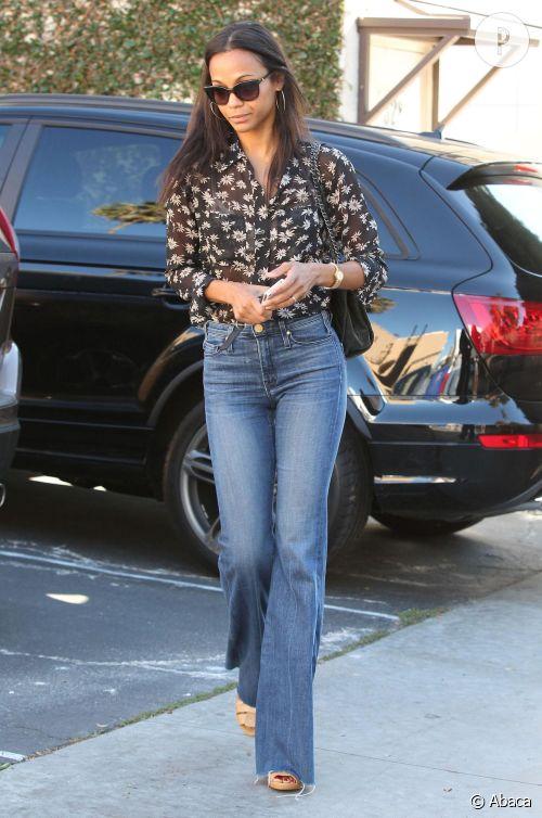 Zoe Saldana, le 70's cool à Los Angeles.
