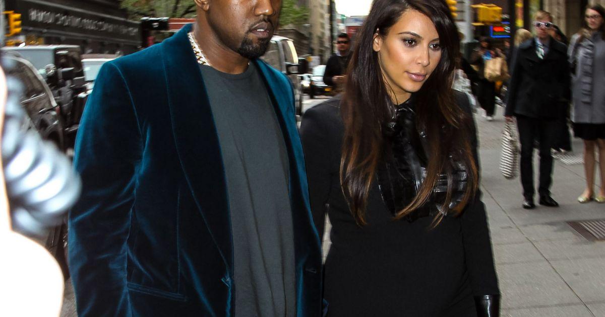 Kim kardashian premi re supportrice de kanye tait dans for Salle de bain kim kardashian