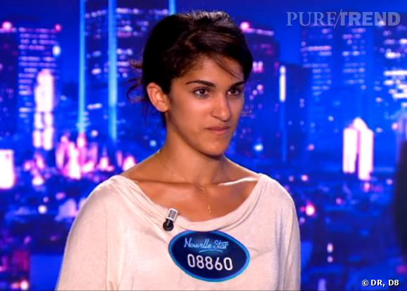 """Dana, 25 ans (audition Lyon) : Elle commence l'audition avec """"Dans ma rue"""" de Piaf et finit de charmer le jury en jouant du Ben Harper à la guitare."""