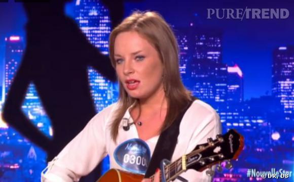 """Manon, 18 ans (audition Bruxelles) : Elle chante """"Jimmy"""" de Moriarty puis """"Toi et Moi"""" de Guillaume Grand et laisse le jury sans voix."""