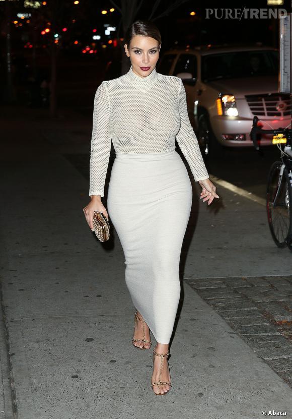 Dernièrement, Kim Kardashian est apparue plus moulée que jamais pour montrer son corps post-grossesse. Un vrai trophée pour la jeune femme.